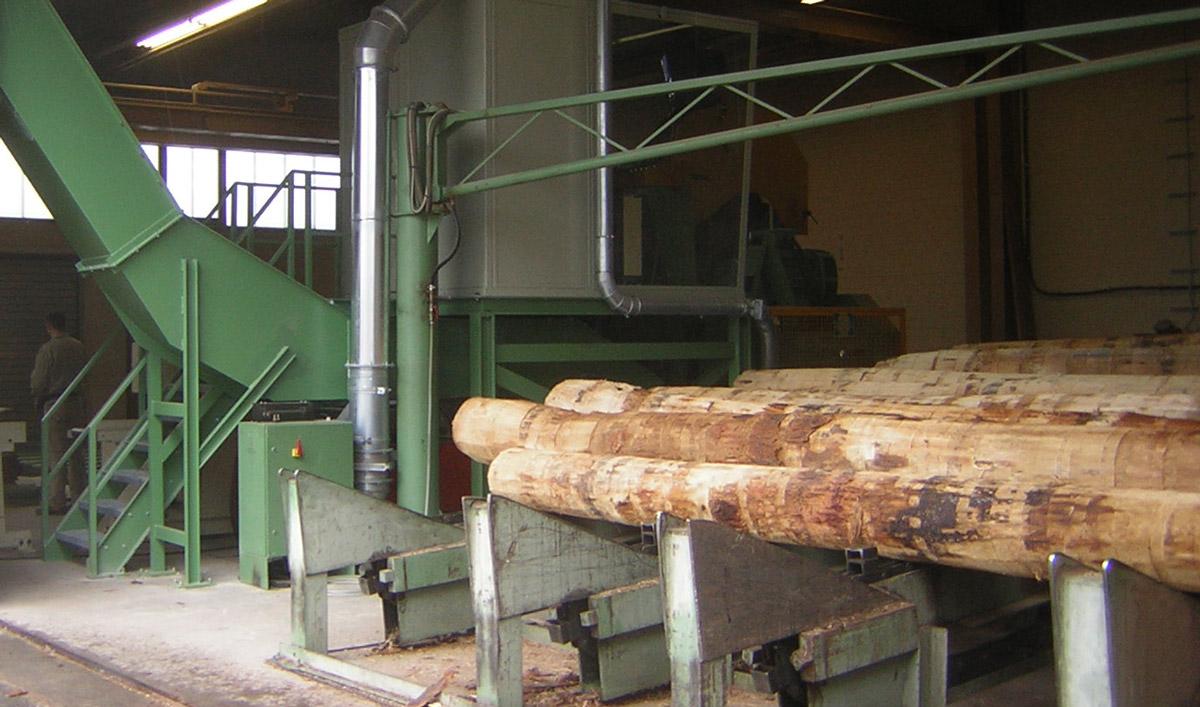 Log feeding systems in the sawmill